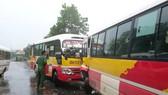 Hà Tĩnh: 2 xe ôtô buýt đối đầu, nhiều hành khách hoảng loạn
