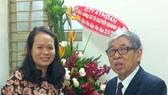 GS Nguyễn Khánh Dư tặng Quỹ học bổng Nguyễn Văn Hưởng