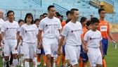 Kim Lý, Hoàng Bách đá bóng để xóa bỏ bạo lực với phụ nữ và trẻ em.