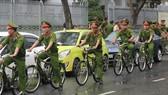 Policemen in Da Nang to patrol on bicycle