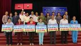 Amway Việt Nam tặng 1.000 thẻ bảo hiểm y tế