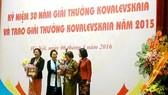 Trao giải thưởng Kovalevskaia cho 2 nhà khoa học nữ