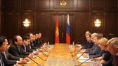 Thủ tướng Nguyễn Xuân Phúc gặp Chủ tịch Duma Quốc gia Nga