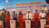 Khai trương tuyến hàng container tại cảng Vũng Áng