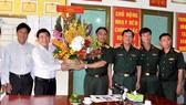 City leaders visit press agencies