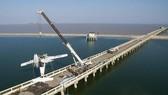 Thủy phi cơ đâm vào cầu ở Trung Quốc, 5 người chết