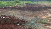 Phát hiện hàng trăm tấn chất thải, bùn thải bị đổ trộm giữa rừng cao su ở Đồng Nai