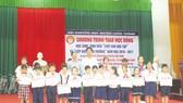 Công ty Vedan Việt Nam trao học bổng cho học sinh, sinh viên nghèo vượt khó năm 2016 huyện Long Thành - Đồng Nai