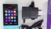 Mở hộp Nokia 216 chụp Selfie