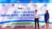 FedEx hưởng ứng Tháng Quốc tế đi bộ đến trường 2016