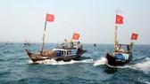 Tặng hơn 10 tỷ đồng cho các chiến sĩ, ngư dân hai quần đảo Hoàng Sa và Trường Sa
