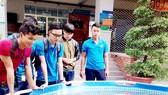 Múa rối nước vào cuộc thi chế tạo robot của sinh viên