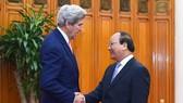 Thủ tướng Nguyễn Xuân Phúc tiếp Ngoại trưởng Hoa Kỳ John Kerry