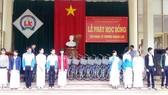 Nhạc sĩ Trương Quang Lục tặng xe đạp cho học sinh nghèo Quảng Ngãi