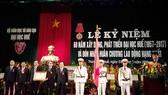 Đại học Huế đón nhận Huân chương Lao động hạng Nhất