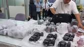 Tạm giữ lô máy ảnh nhập lậu trị giá hơn 1 tỷ đồng