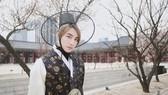 Sơn Tùng M-TP diện trang phục truyền thống Hàn Quốc