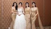 Bốn nữ hoàng sắc đẹp Việt làm vedette thời trang
