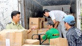 Smuggled Goods Flooding City at Year-End