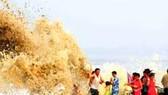 Trung Quốc: Dự báo bão đổ bộ