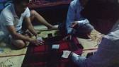 Kỷ luật bí thư, chủ tịch xã đánh bài trong trụ sở cơ quan