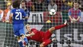 Andrea Pirlo đã thực hiện penalty theo kiểu panelka từ khi mới 13 tuổi. Ảnh: Bleacher Report