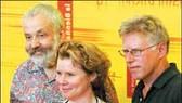 """""""Vera Drake"""" nhận """"Sư tử vàng"""" tại LHP quốc tế Venice"""