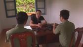 Đối tượng Nguyễn Minh Chiến đã trộm 9 khẩu súng trong kho vũ khí Công an huyện Krông Bông mang đi bán, lấy tiền tiêu xài