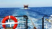Cận cảnh tàu SAR vượt biển cứu 49 ngư dân bị ngộ độc nguy cấp trên biển