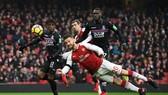 Arsenal - Crystal Palace  4-1: Vắng Sanchez, Pháo thủ vẫn thắng