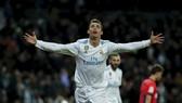 Real Madrid - Sociedad 5-2: Ronaldo lập cú hattrick