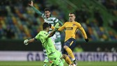 Sporting - Atletico 1-0 (chung cuộc 1-2): Simeone suýt bị đối thủ ngược dòng