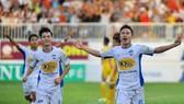 HAGL - SLNA 1-0: Việt Hưng lập công
