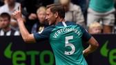 Newcastle - Tottenham 1-2: Vertonghen mở màn, Dele Alli giành 3 điểm cho HLV Pochettino