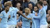 Man City - Burnley 5-0: Aguero, Silva, Fernandinho, Mahrez, Leroy lần lượt khoe tài