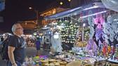 Vắng vẻ chợ đêm du lịch