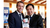 First News được chọn ký hợp đồng bản quyền xuất bản sách của Tổng thống Pháp Macron