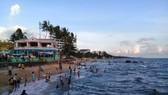 Huyện đảo Phú Quốc phát triển nhanh, giá đất được đẩy lên vùn vụt đã làm bộc lộ những hạn chế trong quản lý, điều hành