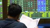 Bối rối mua bán chứng khoán cùng phiên