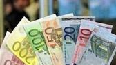EUR mất giá do lo ngại về nợ công châu Âu