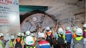 Đón máy khoan hầm TBM tuyến đường sắt Bến Thành - Suối Tiên