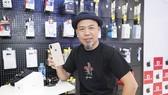 Nhạc sĩ Huy Tuấn mua iPhone Xs Max