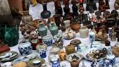 Chủ cửa hàng mua bán di vật, cổ vật phải có bằng đại học