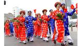 100 cặp đôi tham gia lễ cưới tập thể trong ngày Quốc khánh 2-9