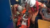 Cứu 3 thuyền viên bị hôn mê sâu do ngạt khí gas hầm lạnh