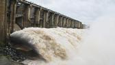 """Hồ đập căng nước, lũ tràn diện rộng, Bộ NN-PTNT lên """"kịch bản"""" xấu nhất cho miền Trung"""