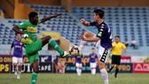 """Cần Thơ thua Hà Nội 0-3 trong cuộc """"so giày"""" ở vòng 25. Ảnh: MINH HOÀNG"""