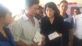 Phó Chủ tịch nước thăm hỏi gia đình các nạn nhân vụ cháy chung cư