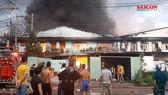 Xưởng sx khăn lạnh phát cháy, hơn 100 chiến sĩ PCCC tham gia dập lửa