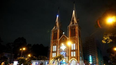Christmas atmosphere has encompassed every corner of the nation, from families to public places. (Source: VNA)